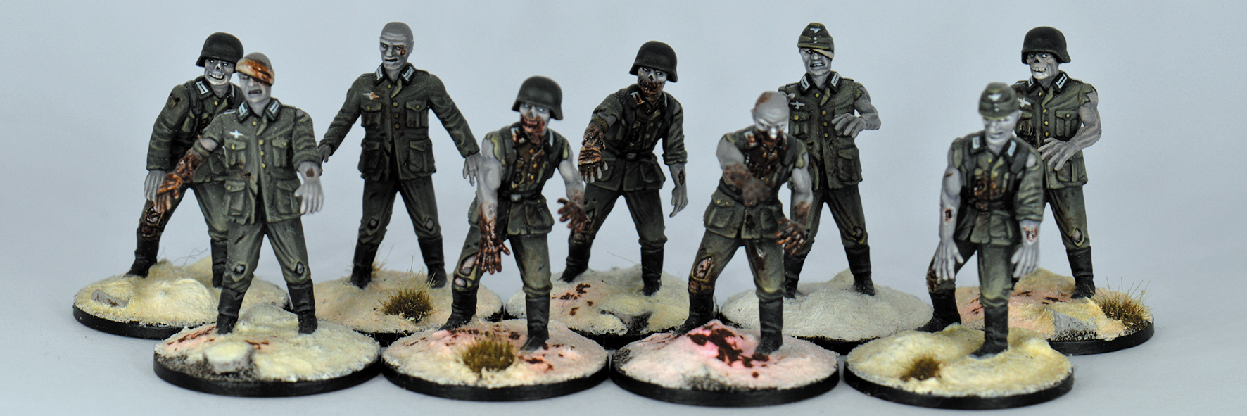 GZ01-WWII GERMAN ZOMBIES PLASTIC BOXSET - 20 MINIATURES